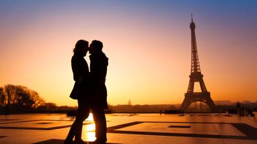 couple amoureux paris